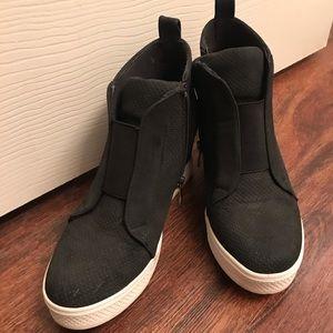 Vici Shoes - Vici faux suede sneaker - black